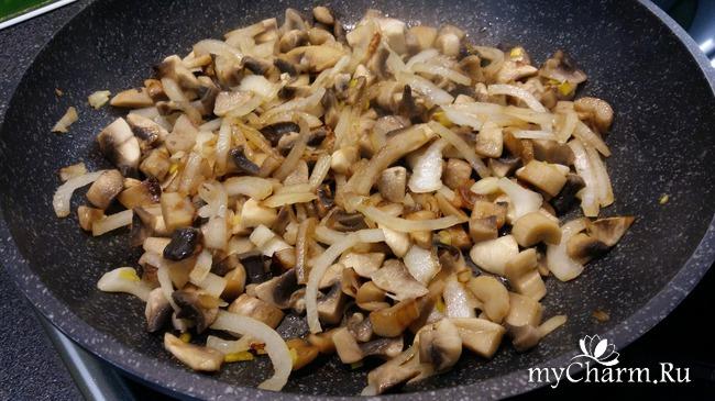 Мясные корзиночки с грибами и сыром.