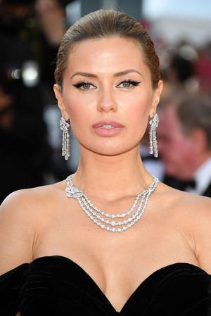 Виктория Боня в Каннах повторила образ Анджелины Джоли