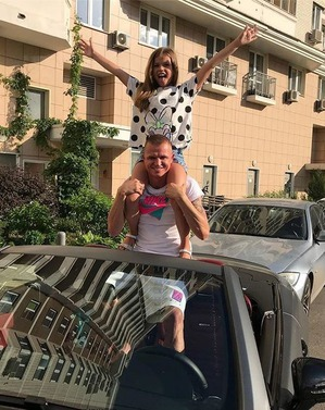 Дмитрий Тарасов забрал авто жены для выплаты алиментного долга