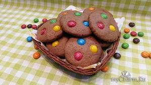 Печенье шоколадное M&M'S.