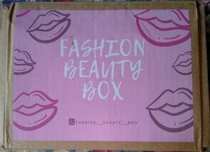 Вторая коробочка косметики от Fashion beauty box получена!