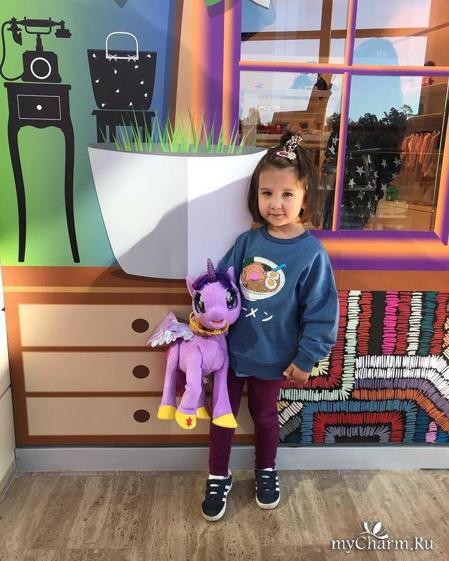 Иван Ургант показал свою трехлетнюю дочку