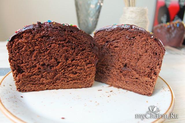 Шоколадный кулич на пасху. Кулич с шоколадной глазурью.