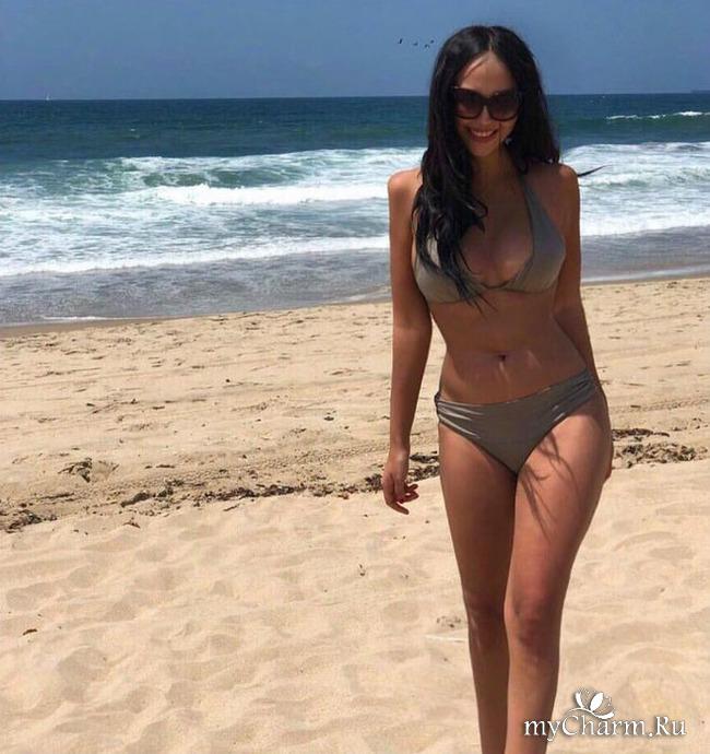 Молодая супруга Александра Цекало поделилась снимками в бикини
