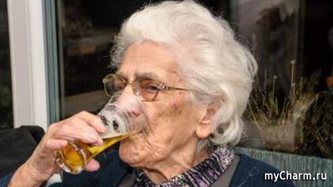Бельгийская долгожительница убеждена в том, что секрет ее здоровья и долголетия кроется в пиве