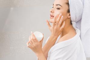 Уход за кожей в летнее время. Утренние и вечерние кремы
