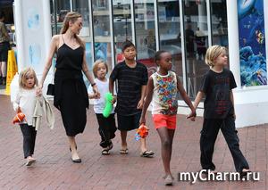 Анджелина Джоли всегда экономит на одежде и на еде для собственных детей
