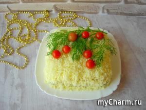 Новогодний салат с кальмарами. Новинка!