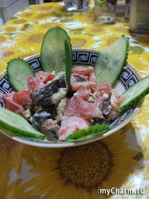 Салат из помидоров и баклажан