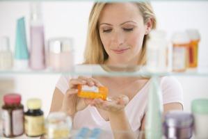 Антибиотики: как лечиться, чтобы не покалечиться