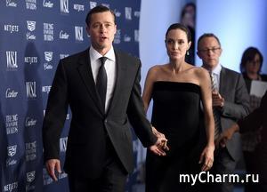 Анджелине Джоли не понравилось, что Брэд Питт посетил юбилей Дженнифер Энистон
