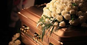Смерть человека в Москве: что делать, цены на похороны и другие нюансы