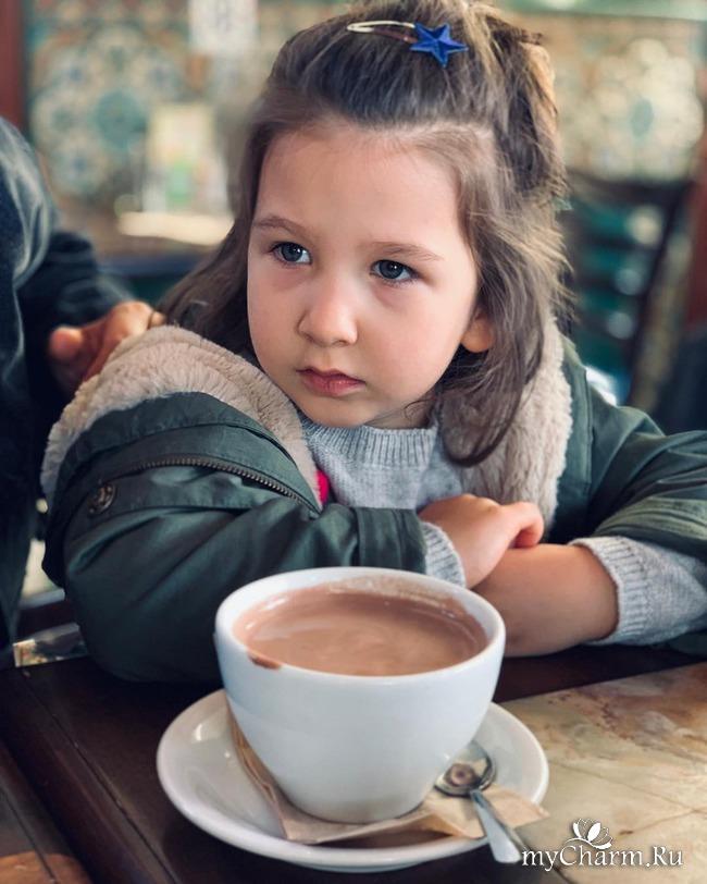 Младшая дочка Ивана Урганта – копия отца!