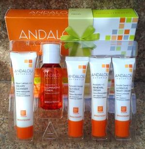 Andalou Naturals Brigtening set for trial & travel. Подарочный пробный набор от Andalou Naturals.
