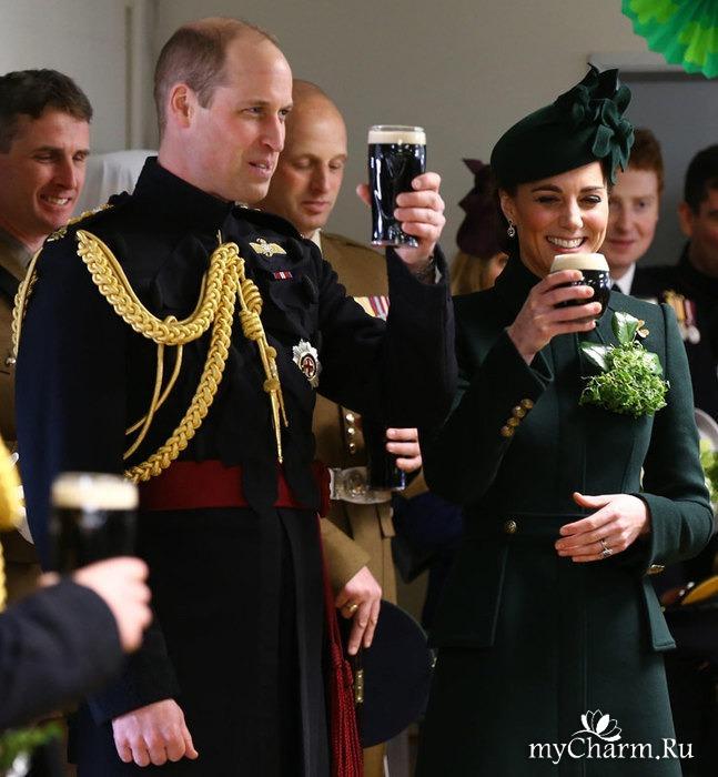 Кейт Миддлтон с мужем публично выпили по бокалу ирландского пива