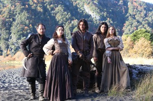 Подборка новых сериалов в онлайн-кинотеатре ivi