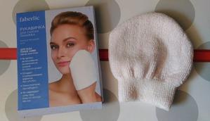 Чудо рукавичка для снятия макияжа от Faberlic справляется даже с бб-кремом