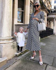 Самая стильная будущая мамочка в мире призывает прекрасных дам не стыдиться живота