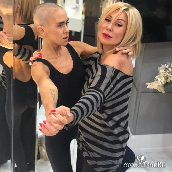 Дочка Любови Успенской попробовала себя в качестве певицы