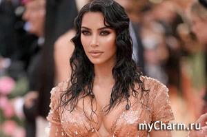 Стало известно имя четвертого ребенка Ким Кардашьян