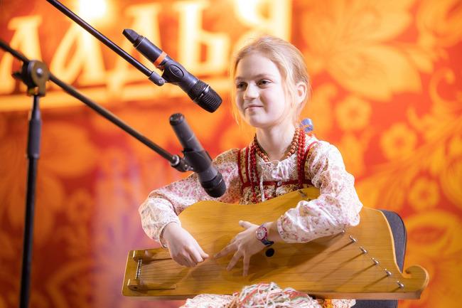 XXVII Выставка-ярмарка  народных художественных промыслов России  «ЛАДЬЯ. Зимняя сказка-2019»