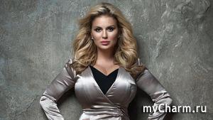Анна Семенович объявила о целебных свойствах своего бюста