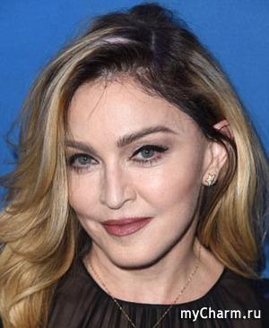 Мадонна впервые в жизни решилась на татуировку