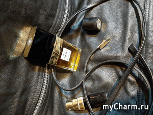 Абсолютный бестселлер парфюмерии... и эротичности Chanel N°5