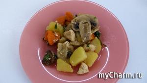 Куриное филе с овощами и грибами