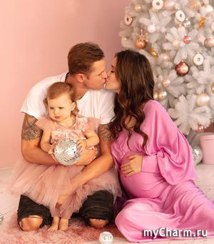 Чета Тарасовых рассекретила пол будущего малыша