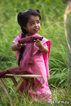 Самая маленькая женщина в мире: чем занимается и как выглядит?