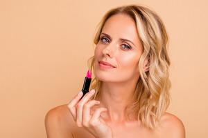Матовые помады и бальзамы - безупречное покрытие и насыщенный цвет ваших губ. Обзор средств Clarins