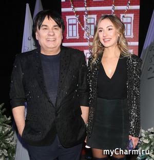 Александр Серов подарил дочери дом