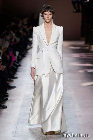 Мода весны и лета 2020: белый монохром