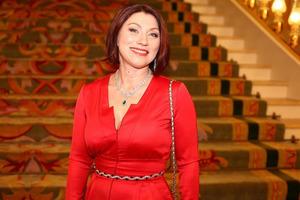 Роза Сябитова собирается распрощаться с грудными имплантами