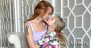 МакSим показала новые снимки со своими дочками
